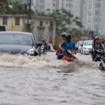 Kinh nghiệm lái xe và cách xử lý sự cố trong thời tiết mưa bão